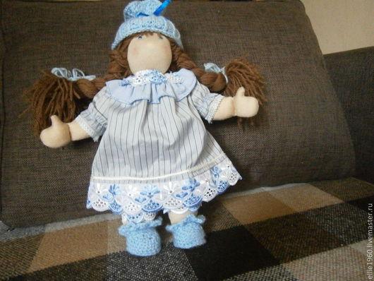 Кукла с голубыми глазами!!