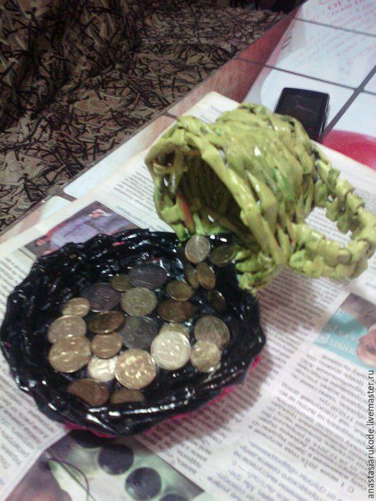 Статуэтки ручной работы. Ярмарка Мастеров - ручная работа. Купить чашка с монетами. Handmade. Черный, красивый подарок, оригинальный сувенир