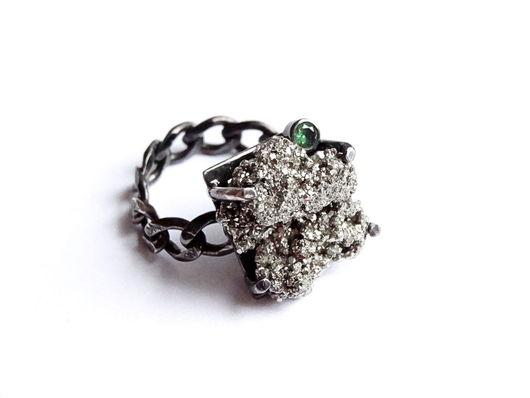 Кольца ручной работы. Ярмарка Мастеров - ручная работа. Купить Серебряное кольцо с пиритом и хромдиопсидом. Handmade. Черный, подарок женщине