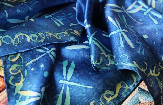 """Шали, палантины ручной работы. Ярмарка Мастеров - ручная работа. Купить Шейный шелковый платок """"Стрекозы"""". Handmade. Тёмно-синий"""