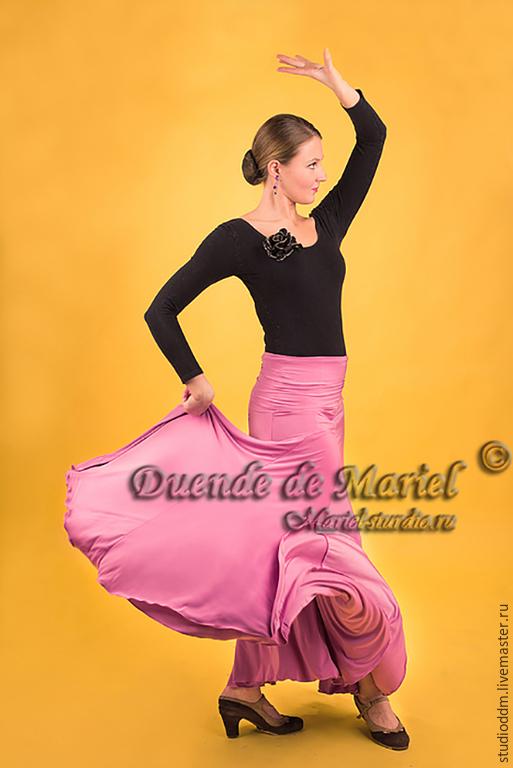 Модель `Violeta` (`Фиалка`) создана для стильных и активных девушек. Хорошо подойдет для занятий танцами фламенко, восточный,tribal и др.