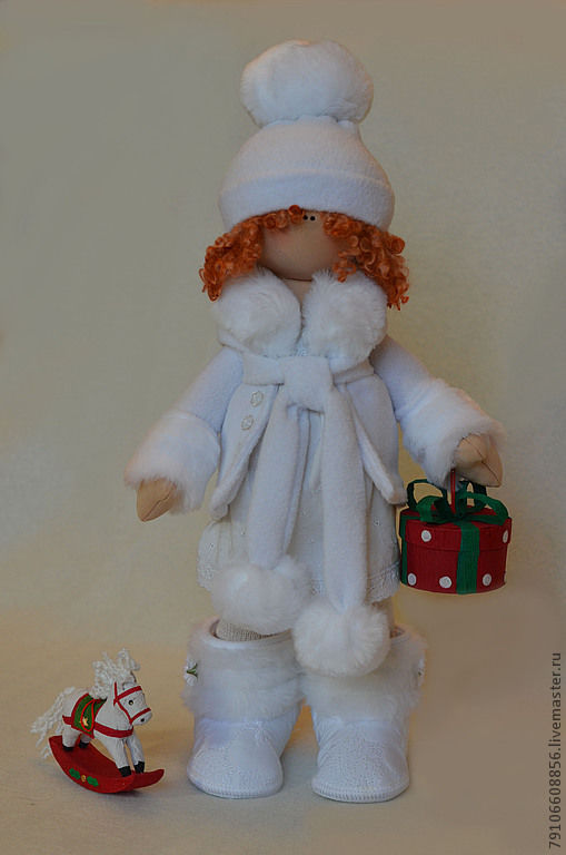 Коллекционные куклы ручной работы. Ярмарка Мастеров - ручная работа. Купить подарок 2013 зимняя девочка. Handmade. Белый, трикотаж