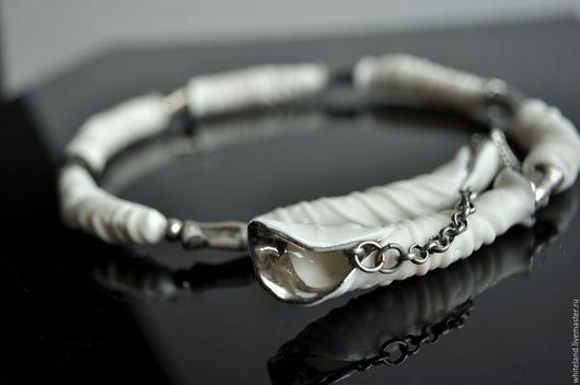 """Колье, бусы ручной работы. Ярмарка Мастеров - ручная работа. Купить Ожерелье из бисквитного фарфора """"Marinus"""", платина. Handmade."""