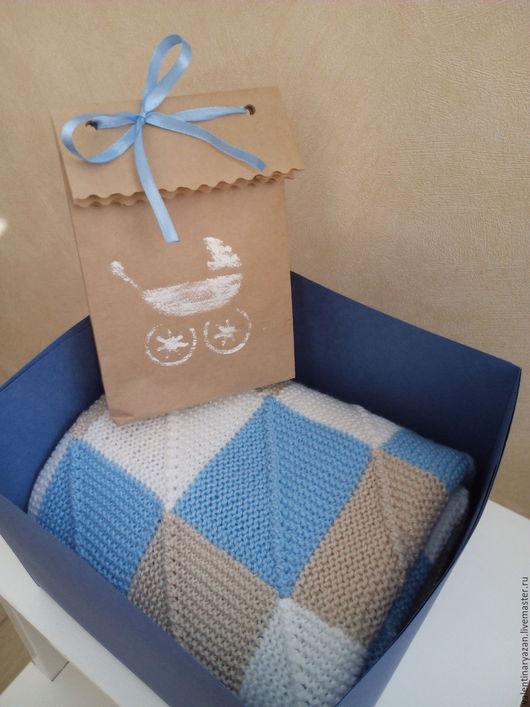 Пледы и одеяла ручной работы. Ярмарка Мастеров - ручная работа. Купить Детское пэчворк-одеяло. Handmade. Голубой, плед в коляску
