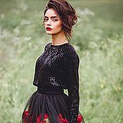 Черная юбка с розами