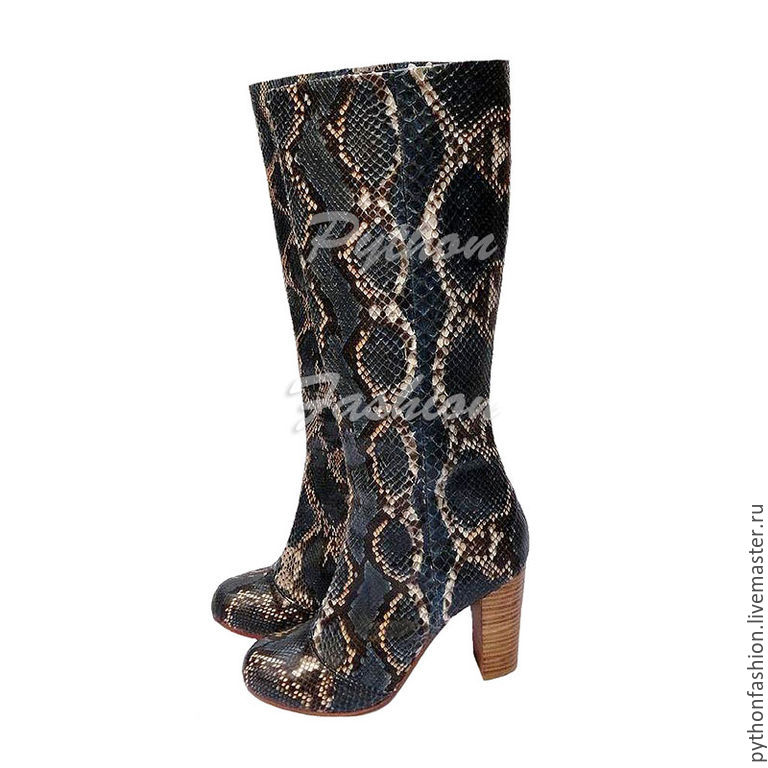 boots Python. Beautiful boots made of Python on the heel. Fashionable women's boots from Python. Stylish boots made of genuine Python leather. Designer boots made from Python. Boots Python zip.