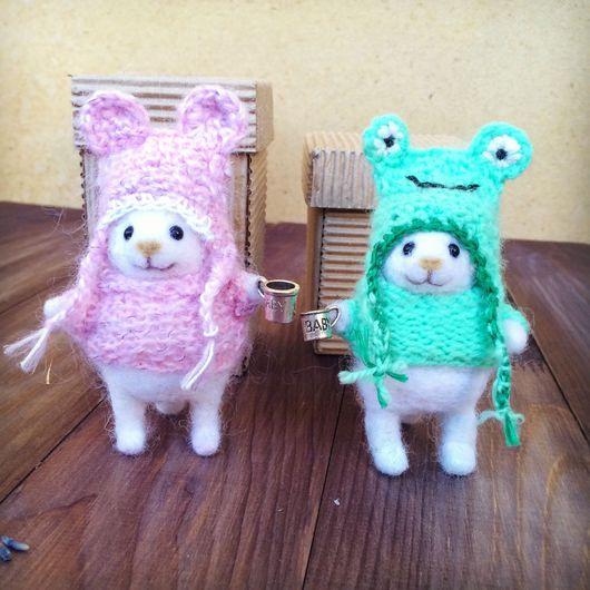 Игрушки животные, ручной работы. Ярмарка Мастеров - ручная работа. Купить Мышка в шапочке и свитере (валяная игрушка). Handmade. Мышка
