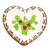 Подарки к праздникам ручной работы. Ярмарка Мастеров - ручная работа Новогоднее сердце, имбирный пряник. Handmade.