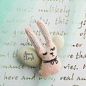 """Украшения ручной работы. Ярмарка Мастеров - ручная работа Брошь из фетра """"Заяц длинные уши"""". Handmade."""