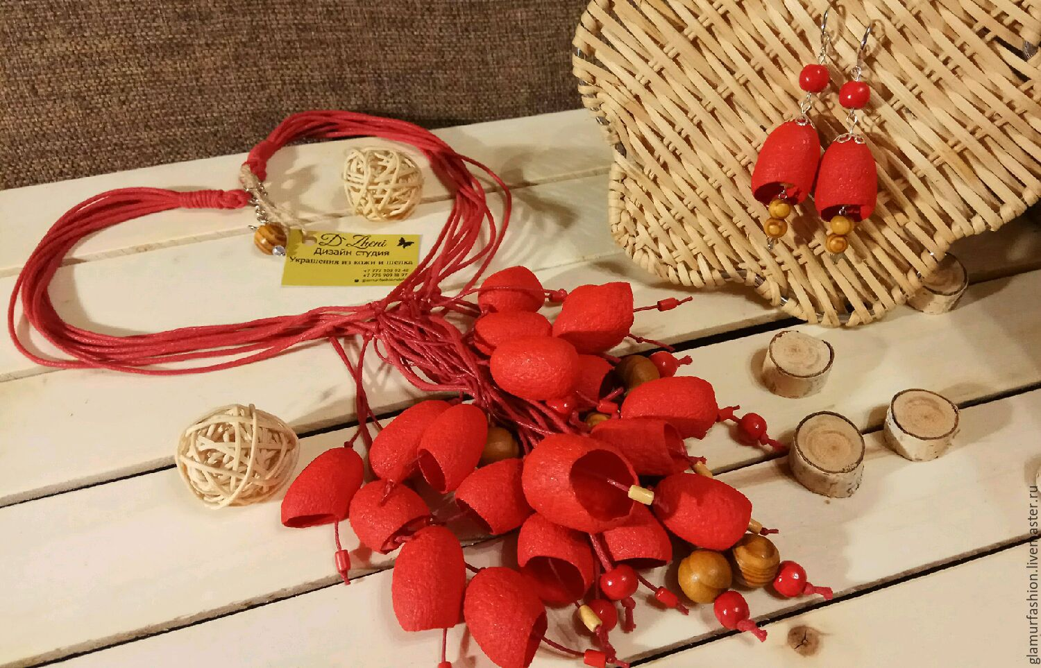Necklaces & Beads handmade. Livemaster - handmade. Buy Set (necklace and earrings) from silkworm cocoons.Gifts