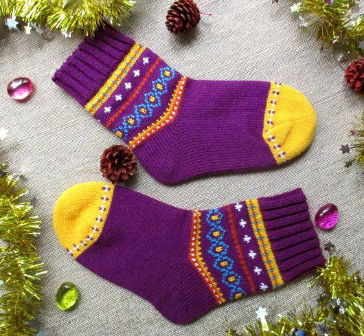 Вязаные шерстяные носки теплые носки носки с узором носки с орнаментом красивые носки новогодние носки носки на новый год красивые носочки яркие носки в подарок с узором носки с орнаментом