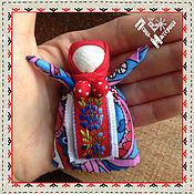 Куклы и игрушки ручной работы. Ярмарка Мастеров - ручная работа Оберег Радостея принесет добрые вести в Ваш дом. Handmade.