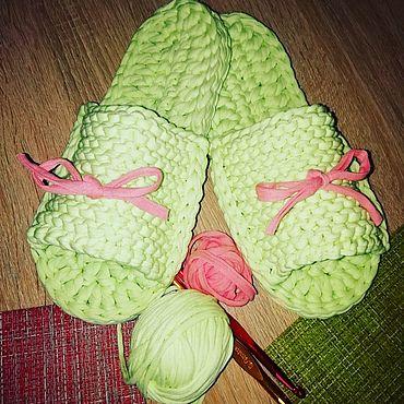 Обувь ручной работы. Ярмарка Мастеров - ручная работа Вязаные тапочки из трикотажной пряжи. Handmade.