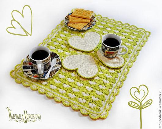 Кухня ручной работы. Ярмарка Мастеров - ручная работа. Купить Набор для кухни «Тепло сердца» (салфетка и 3 подставки под чашку). Handmade.