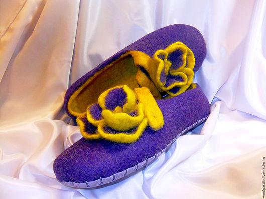 Обувь ручной работы. Ярмарка Мастеров - ручная работа. Купить Валяные тапочки Виола. Handmade. Тёмно-фиолетовый, Валяние