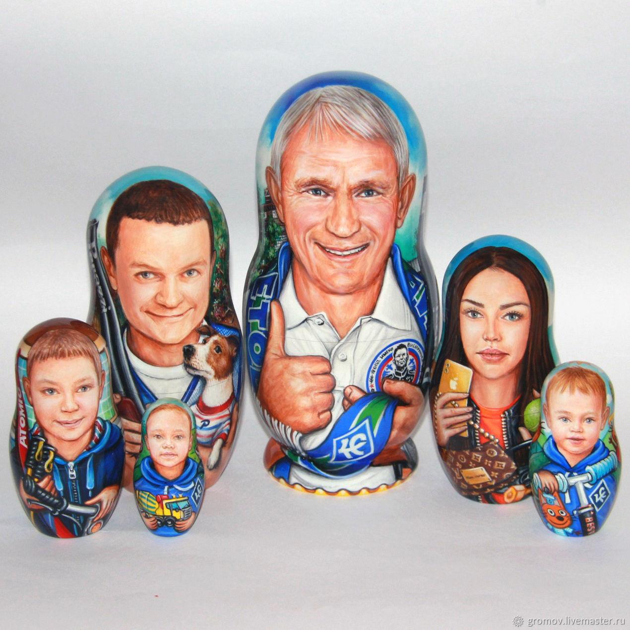 Портреты на матрешках (Семья), Матрешки, Москва,  Фото №1