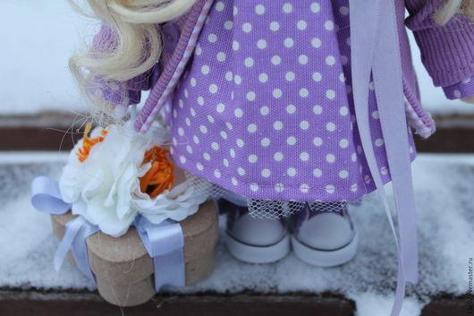 Вязанная интерьерная кукла 156