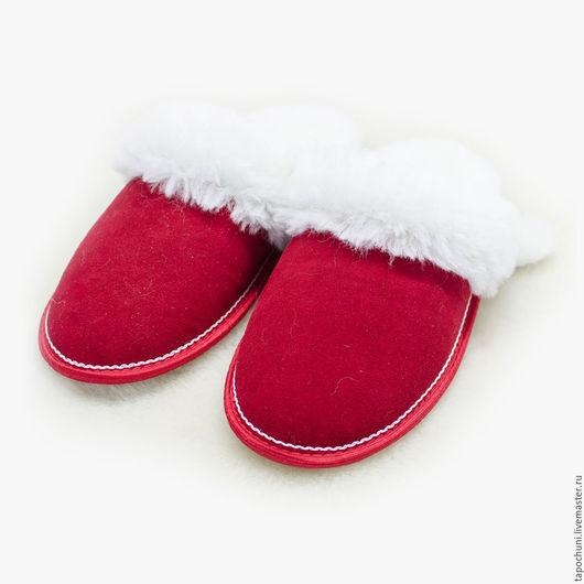 Обувь ручной работы. Ярмарка Мастеров - ручная работа. Купить Тапочки из овчины с замшей. Handmade. Ярко-красный, тапочки теплые