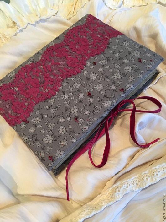 "Блокноты ручной работы. Ярмарка Мастеров - ручная работа. Купить Блокнот ручной работы ""Red on the Grey"". Handmade."