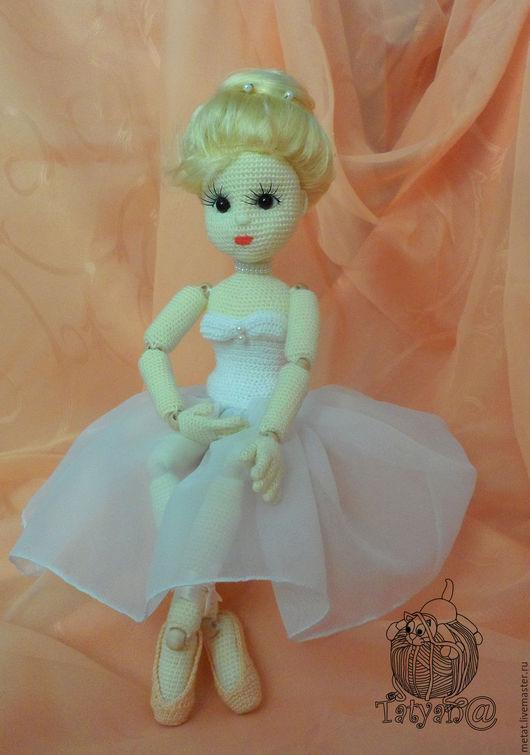 Человечки ручной работы. Ярмарка Мастеров - ручная работа. Купить Вязаная шарнирная кукла Балерина. Handmade. Белый, вязаная балерина
