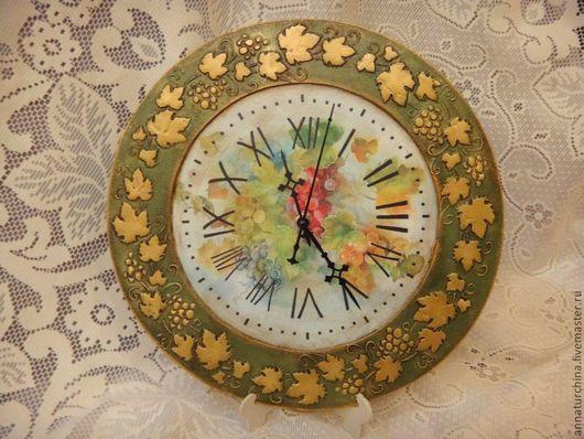 """Часы для дома ручной работы. Ярмарка Мастеров - ручная работа. Купить Часы """"Золотая лоза"""".. Handmade. Зеленый, для дома и интерьера"""