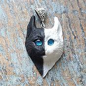 Украшения ручной работы. Ярмарка Мастеров - ручная работа Черно-белая кошка, кулон, светящиеся глазки. Handmade.