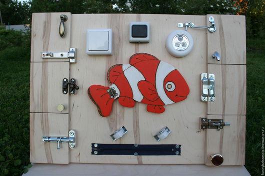 Развивающие игрушки ручной работы. Ярмарка Мастеров - ручная работа. Купить Бизиборд Рыбка. Handmade. Бизиборд, Монтессори, подарок малышке