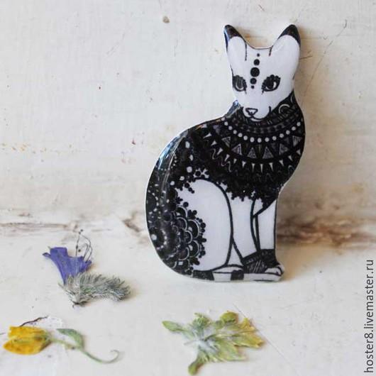 """Броши ручной работы. Ярмарка Мастеров - ручная работа. Купить Брошь """"Кошечка"""" (0142). Handmade. Чёрно-белый, Кошки, котик"""
