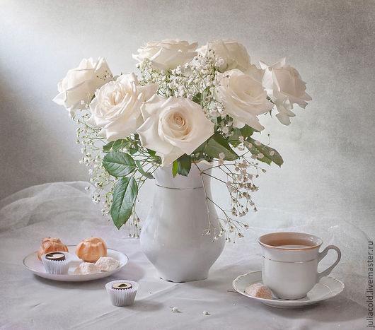 Фото-работы ручной работы. Ярмарка Мастеров - ручная работа. Купить Чайный натюрморт.. Handmade. Белый, розы, чашка, конфеты