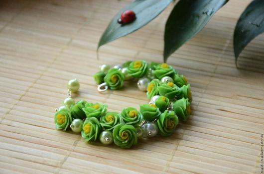 """Браслеты ручной работы. Ярмарка Мастеров - ручная работа. Купить Браслет """"Зелёные розы"""". Handmade. Зеленый, браслет с зелёными розами"""