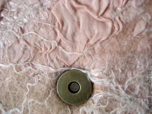 Женские сумки ручной работы. Ярмарка Мастеров - ручная работа. Купить клатч валяный. Handmade. Клатч, клатч из войлока, шерсть