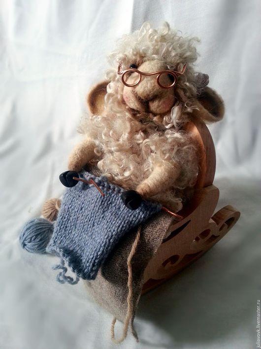 Игрушки животные, ручной работы. Ярмарка Мастеров - ручная работа. Купить Овечка рукодельница. Handmade. Овечка, Валяние, КРЕСЛО-КАЧАЛКА