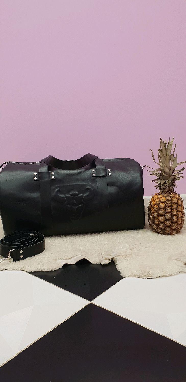 Спортивные сумки ручной работы. Ярмарка Мастеров - ручная работа. Купить Дорожная сумка из натуральной кожи с тиснением. Handmade.
