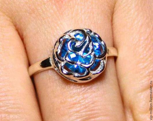 Кольца ручной работы. Ярмарка Мастеров - ручная работа. Купить Серебряное кольцо со SKY BLUE TOPAZ. Handmade. Голубой