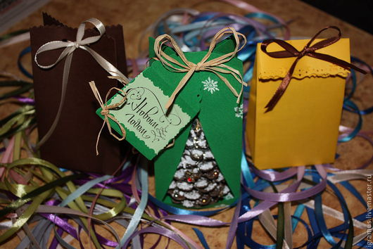 Подарочная упаковка ручной работы. Ярмарка Мастеров - ручная работа. Купить Пакетик из дизайнерской бумаги. Handmade. Подарочная упаковка, клей