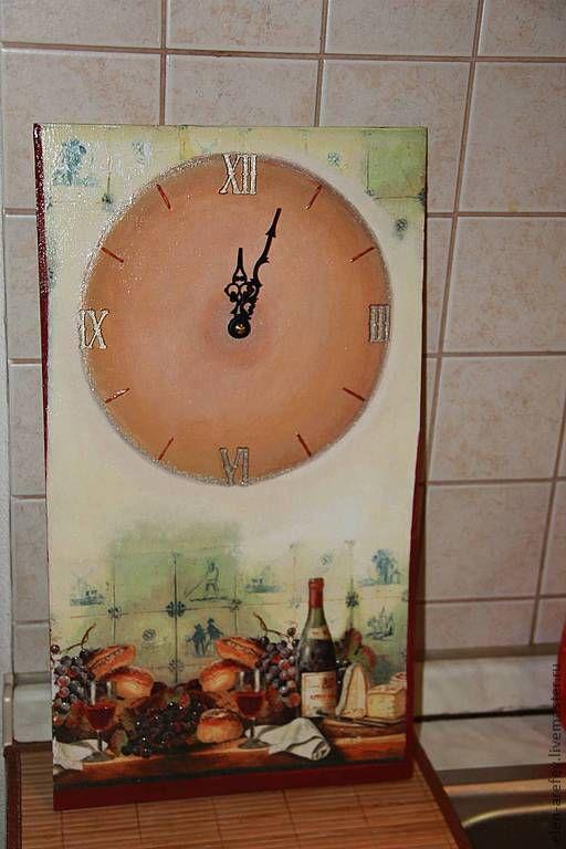 """Часы для дома ручной работы. Ярмарка Мастеров - ручная работа. Купить Часы """"Вино и сыр"""". Handmade. Коричневый, декор для интерьера"""