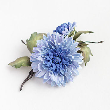 Украшения. Ярмарка Мастеров - ручная работа Брошь с цветами, голубая синяя хризантема из фоамирана. Handmade.