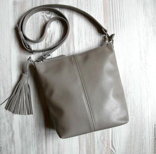 Женские сумки ручной работы. Ярмарка Мастеров - ручная работа. Купить Кожаная сумка на плечо.Бежевый, серо-бежевый,серый цвет.Кожаная сумка. Handmade.