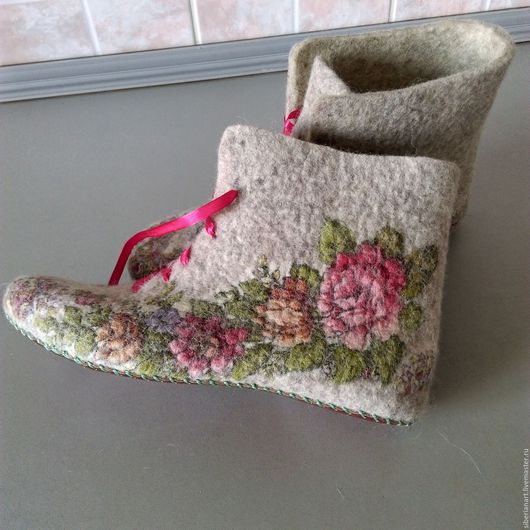 """Обувь ручной работы. Ярмарка Мастеров - ручная работа. Купить Тапочки валяные стилизованные""""Перепляс"""". Handmade. Серый, подарок женщине"""
