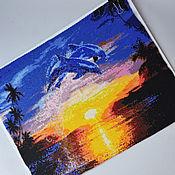 Картины ручной работы. Ярмарка Мастеров - ручная работа Картина из японского бисера в технике мозаичного плетения Дельфины. Handmade.