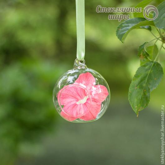 Стеклянный шарик подвесная ваза с петелькой и отверстием для декора, диаметр 8 см