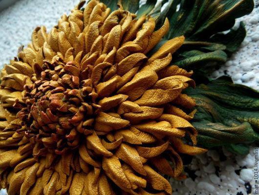 Броши ручной работы. Ярмарка Мастеров - ручная работа. Купить Хризантема-брошь из натуральной кожи. Handmade. Желтый, желтый цветок