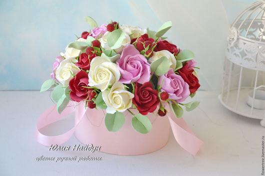 Интерьерные композиции ручной работы. Ярмарка Мастеров - ручная работа. Купить Цветы в  шляпной коробке 21х23 см (полимерная глина). Handmade.