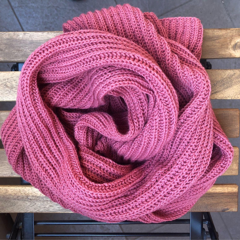 Вязаный шарф английская резинка темно розовый цвет, Шарфы, Москва,  Фото №1