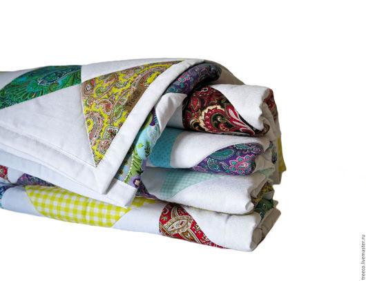 Текстиль, ковры ручной работы. Ярмарка Мастеров - ручная работа. Купить Белое лоскутное одеяло с яркими акцентами. Handmade. Белый