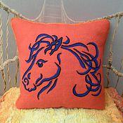 Для дома и интерьера ручной работы. Ярмарка Мастеров - ручная работа Валяная подушка Синяя Лошадь. Handmade.