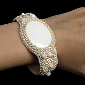 Украшения handmade. Livemaster - original item Beaded bracelet with cacholong white beige Ellada. Handmade.