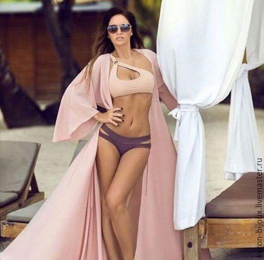 Шикарный купальник пастельных тонов. Пудровый цвет просто невероятно нежно и гармонично смотрится на пляже.