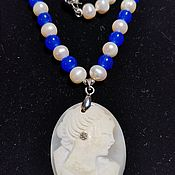 Винтаж handmade. Livemaster - original item Pearl necklace with a cameo on the shell and a miniature sapphire. Handmade.