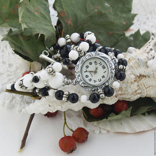 """Часы ручной работы. Ярмарка Мастеров - ручная работа. Купить """"Мой стиль"""" - часы-браслет. Handmade. Чёрно-белый"""